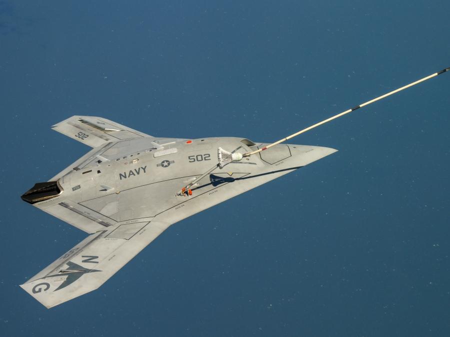 Premier ravitaillement en vol réussi pour le X-47B – Air et Cosmos