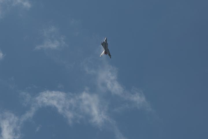 Pourquoi un Rafale a-t-il escorté un drone dans le ciel français ? – L'Usine de l'Aéro