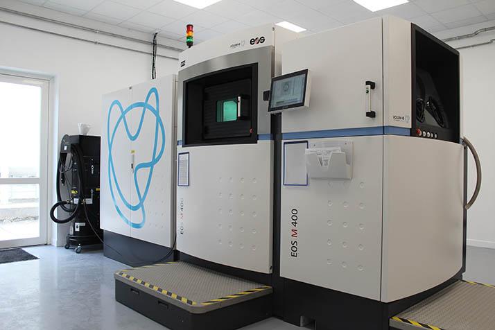 VOLUM-E – Installation de la M400 & fabrication de la première pièce de grande dimension en 500H