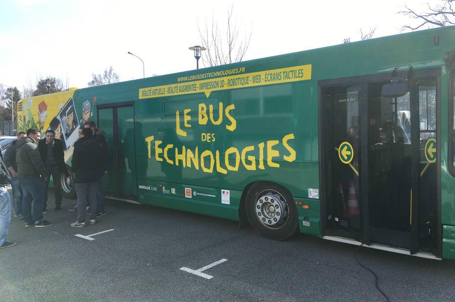 Un Bus des technologies pour convertir les PMI normandes au numérique