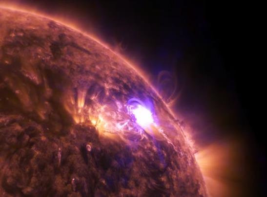 Une éruption solaire en ultra haute définition – Air&Cosmos