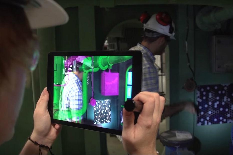 L'US Navy utilise la réalité augmentée pour construire ses porte-avions (et vous devriez faire pareil)