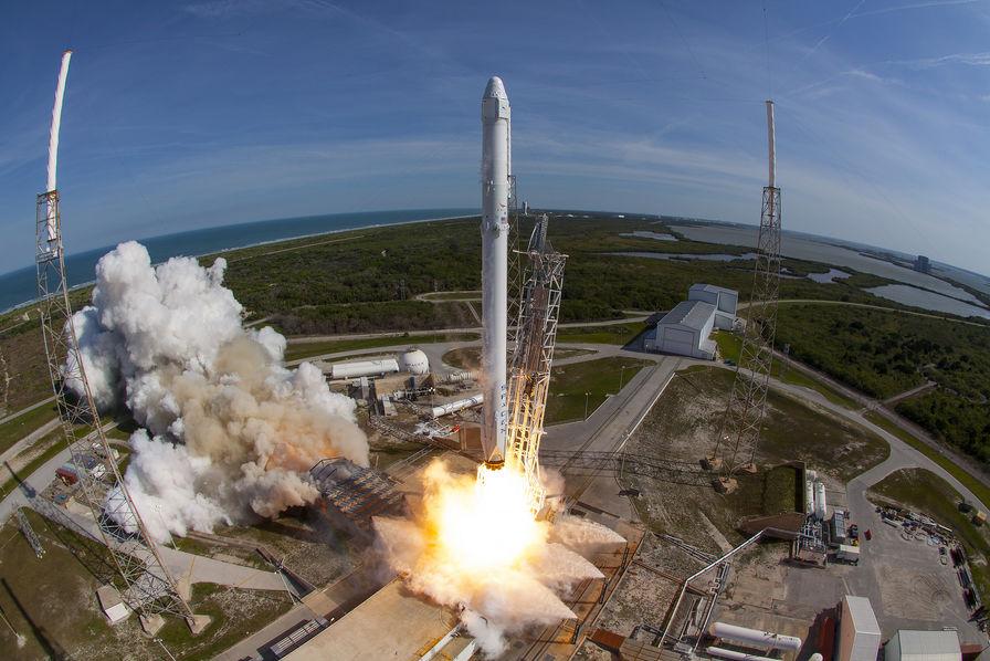 [En images] SpaceX échoue dans la récupération de son lanceur