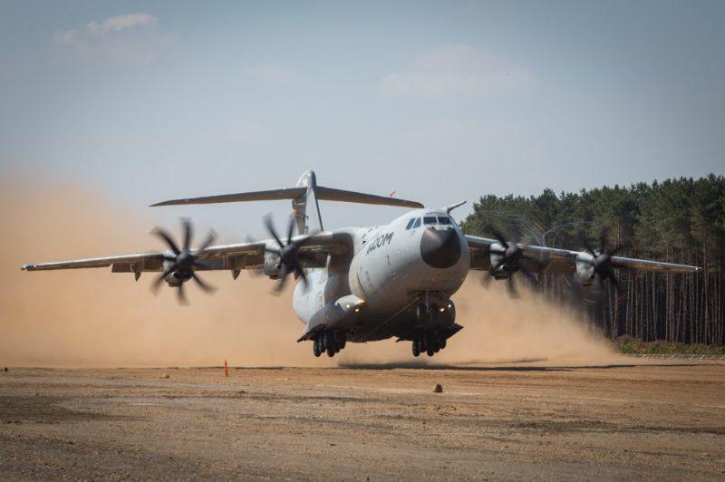 A400M : Essais sur piste en sable – Air&Cosmos