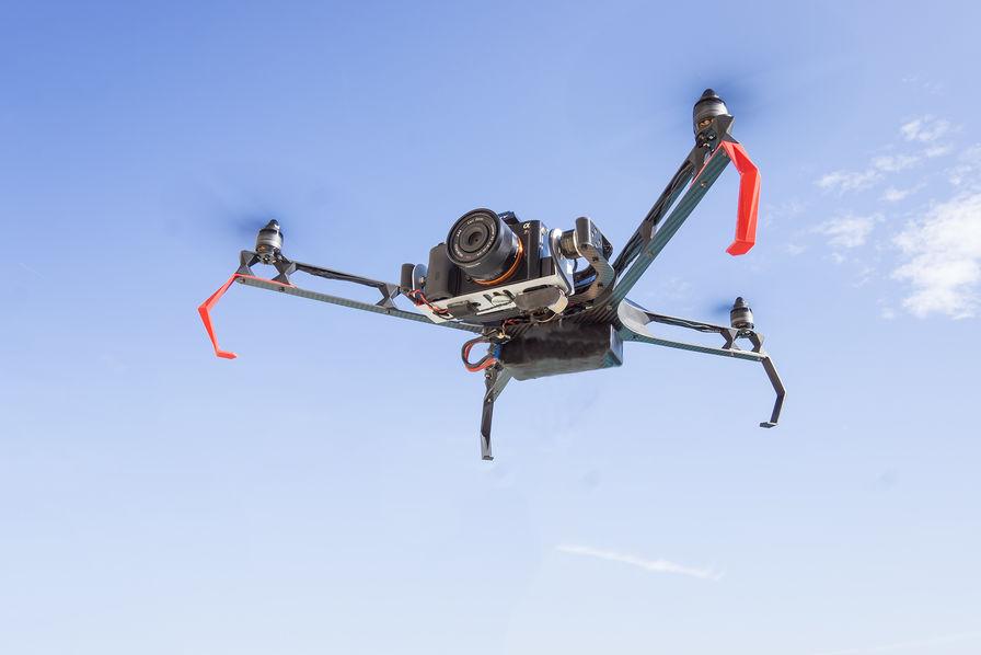 Flying Eye lance un drone avec système GPS autonome – L'Usine de l'Aéro