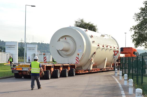 Safran Nacelles : Convoi exceptionnel pour un « bébé » de 70 tonnes !