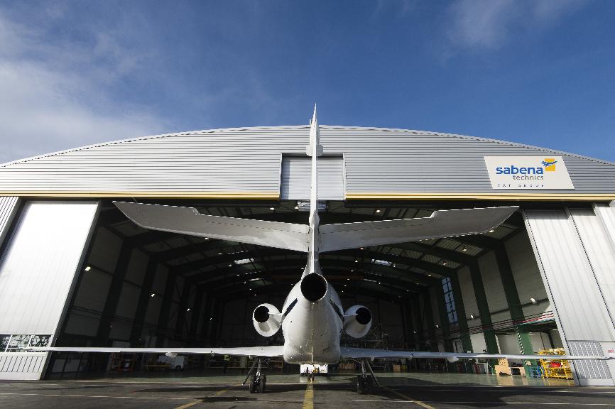 Dassault retient Sabena Technics sur les Falcon 50 Marine – Air&Cosmos
