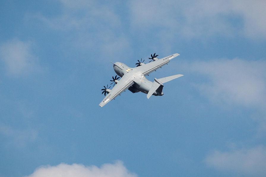 Airbus «choqué» a propos du problème de moteur de l'A400M de la ministre allemande