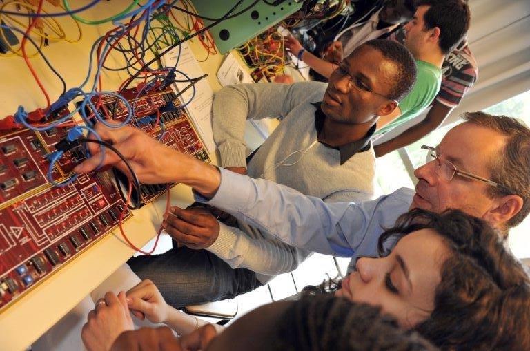 Formations NAE : 120 étudiants préparés aux métiers d'avenir de l'aéronautique tous les ans