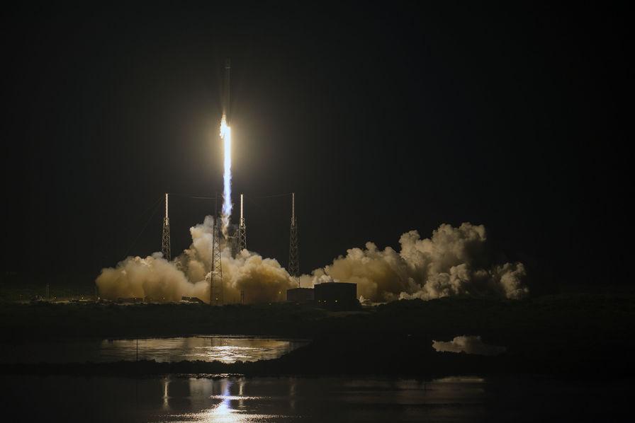 SpaceX annonce un premier lancement avec un Falcon 9 réutilisé