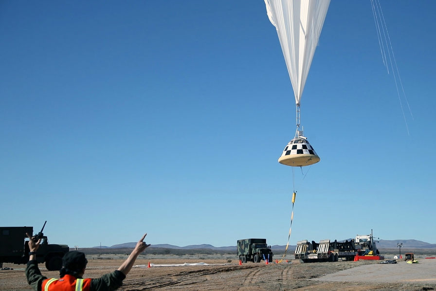 La Nasa et Boeing testent avec succès les parachutes de la capsule Starliner
