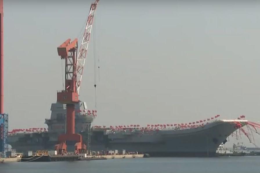 [Vidéo] Mise à l'eau du premier porte-avions 100 % «Made in China»