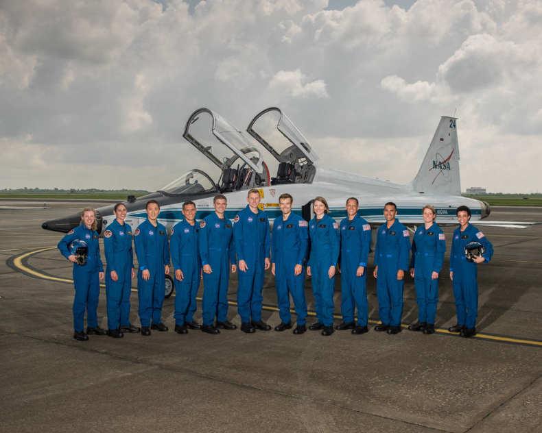 Douze nouveaux astronautes pour la Nasa