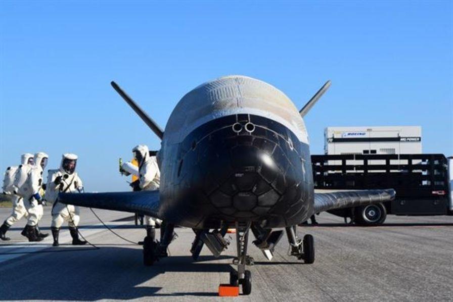Pourquoi l'US Air Force a choisi SpaceX pour mettre en orbite son mystérieux drone X-37B