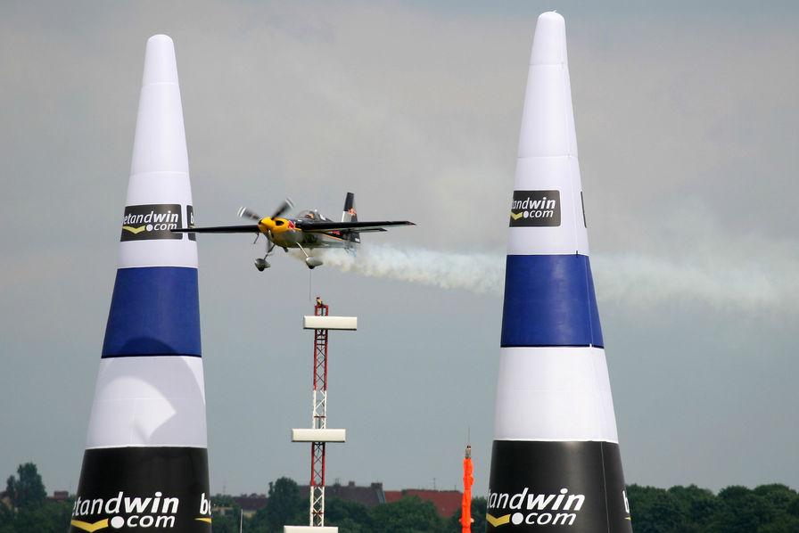 [Vidéo] La Red Bull Air Race voltigera en France pour la première fois en 2018
