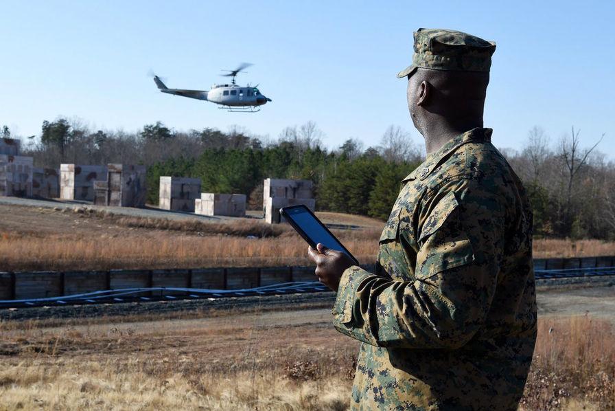 [L'industrie c'est fou] L'hélicoptère effectue une mission de ravitaillement de façon autonome