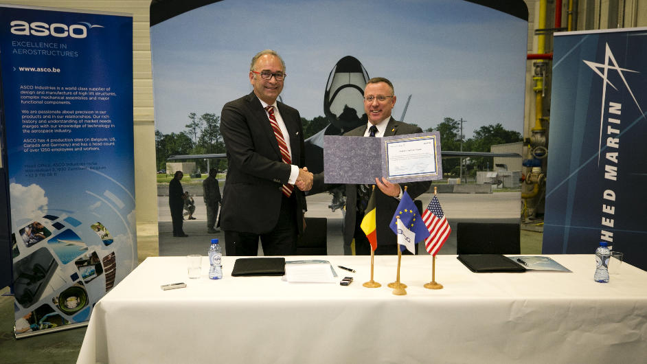 Signature d'un accord entre Lockheed et Asco pour le F-35 – Air&Cosmos