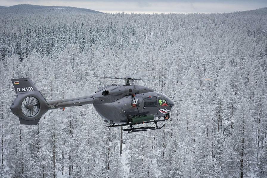 [Vidéo] Tir de roquette guidée par un système de désignation laser réussi pour le H145M d'Airbus Helicopters
