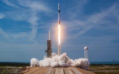 La nouvelle version de la fusée Falcon 9 de SpaceX sur le pas de tir