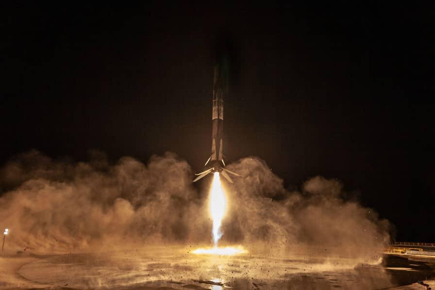 Le lanceur de SpaceX revient pour la première fois sur sa base de départ
