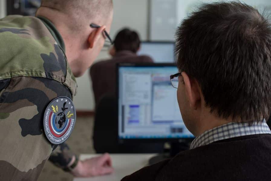 L'armée française s'organise pour mener des attaques dans le cyberespace