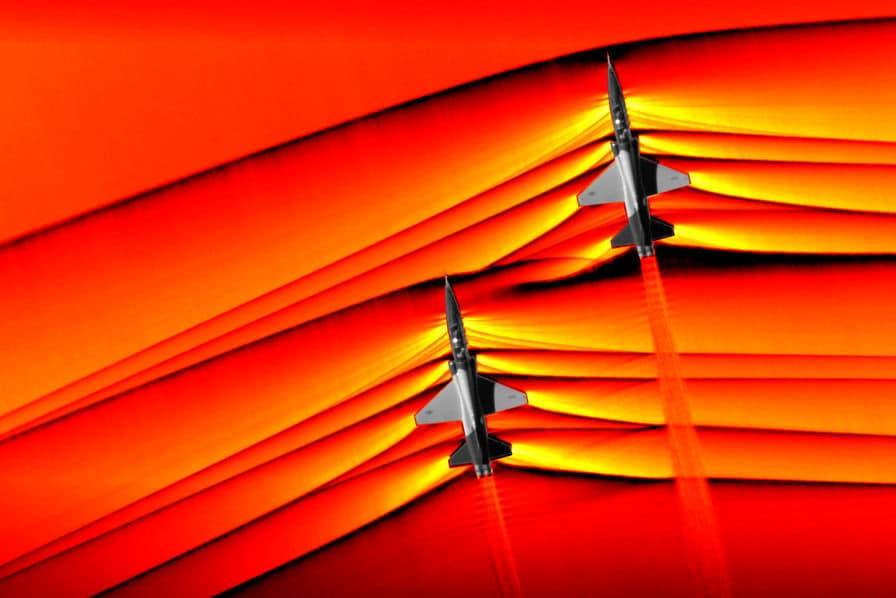[Vu du ciel] Le boom supersonique de deux avions de chasse comme vous ne l'avez jamais vu – L'Usine Aéro