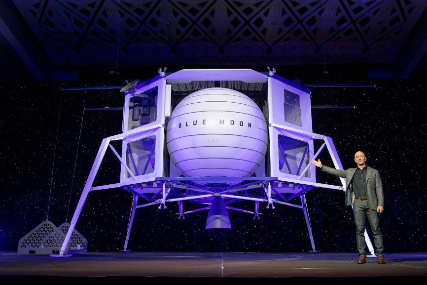 Jeff Bezos au service du projet lunaire américain
