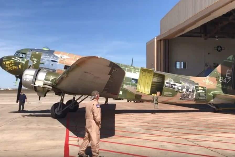 L'avion qui a mené le débarquement en Normandie retourne sur ses terres d'opération, 75 ans après – L'Usine Aéro