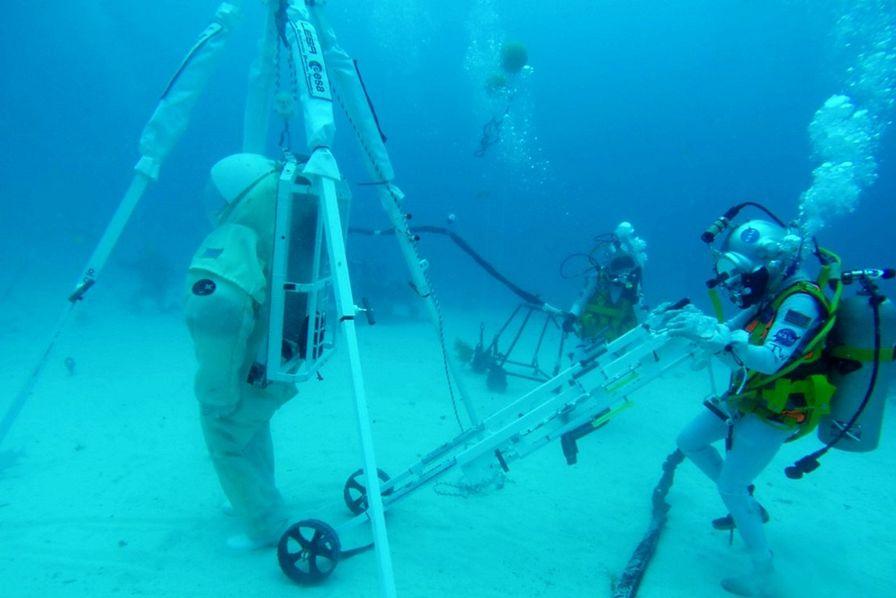 Des astronautes en immersion pour un nouvel outil de secours spatial – L'Usine Aéro
