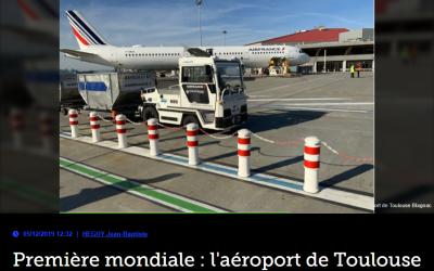 Première mondiale : l'aéroport de Toulouse teste un tracteur à bagages autonome